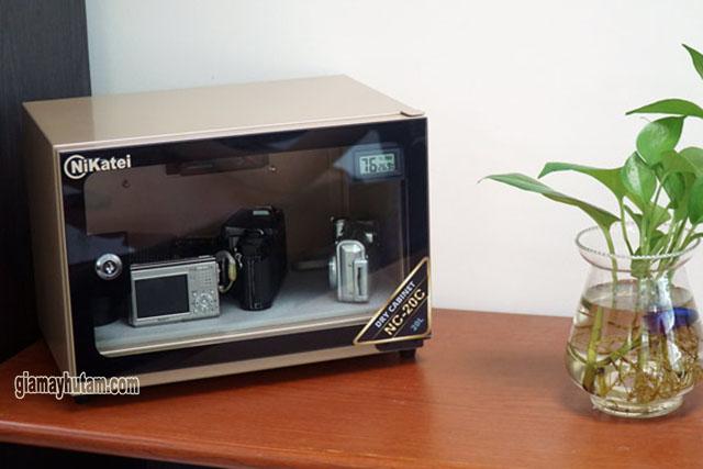 Độ ẩm thích hợp bảo quản máy ảnh tốt nhất