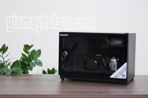 Màu đen tinh tế của thiết bị hút ẩm Andbon