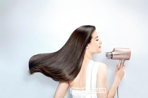 máy sấy tóc treo tường panasonic